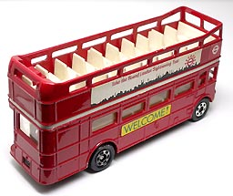 L8 LONDON BUS RM 001-03